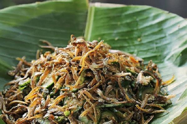 gỏi cà đắng cá cơm món ăn ở Buôn Mê Thuột
