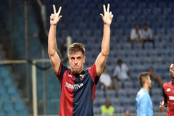 Barca nhắm Krzysztof Piatek thay Suarez