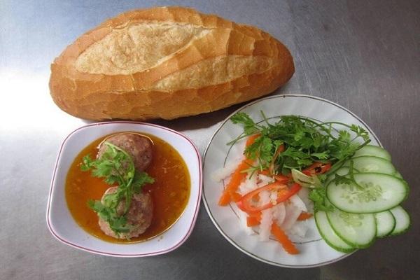 bánh mì xíu mại đà lạt