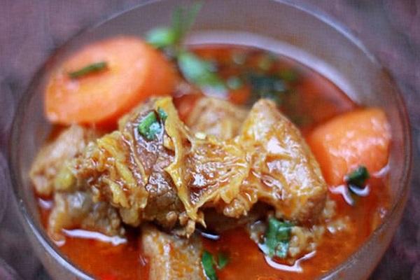 Cách nấu bò kho chuẩn vị miền Trung