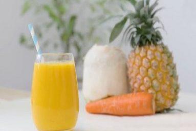 cách làm sinh tố dứa cà rốt