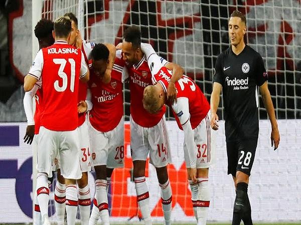 Frankfurt 0-3 Arsenal: Mở tiệc bàn thắng trên sân khách