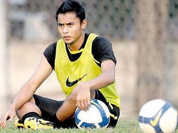Malaysia gọi thêm trung vệ đối đầu tuyển Việt Nam