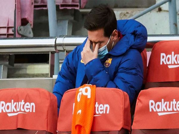 Tin bóng đá chiều 28/12: Messi chỉ quyết định tương lai vào tháng 6/2021