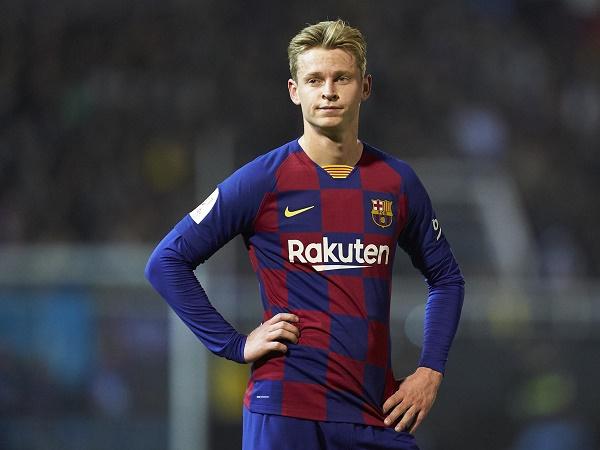 Tin bóng đá tối 10/12: Barca túng quẫn phải bán Frenkie De Jong