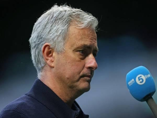 Bóng đá Anh chiều 24/4: Mourinho bị sa thải có người ăn mừng